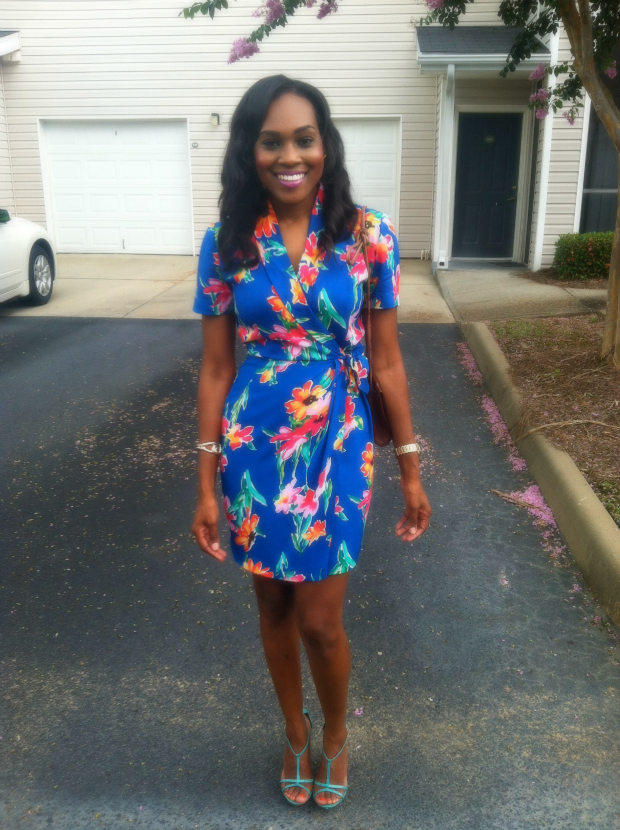 Style-Files-with- PrettyPrice-Thrifted- Hawai- Print-Wrap- Dress- and-Turquoise- Report-Signature- Sandals-4