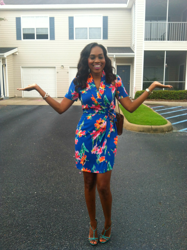Style-Files-with- PrettyPrice-Thrifted- Hawai- Print-Wrap- Dress- and-Turquoise- Report-Signature- Sandals-6