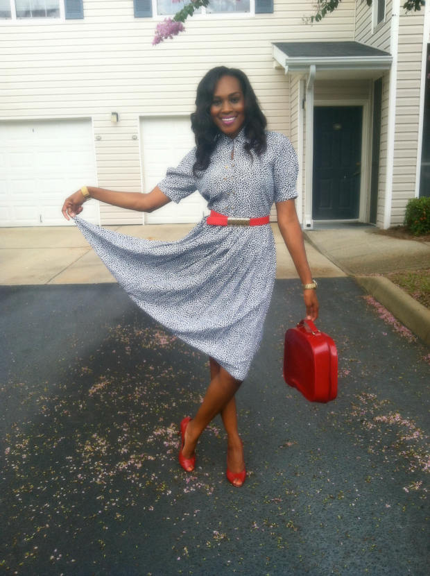 style-files-with-pretty-price-Thrifted-White- and-Blue-Polka-Dot- Schrader-Petite-Pleated-Shirt-Dress-and-Red-BCBG-Peep-toe-Pumps-