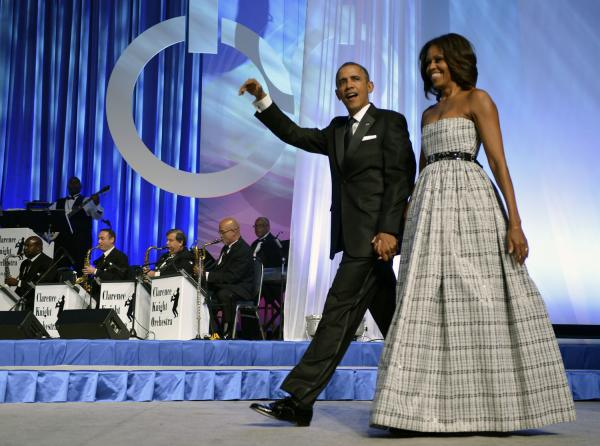 Michelle-Obama- Congressional-Black- Caucus-Foundation- Annual-Phoenix-Awards-Dinner-2013-Black- White-Plaid-Gown-