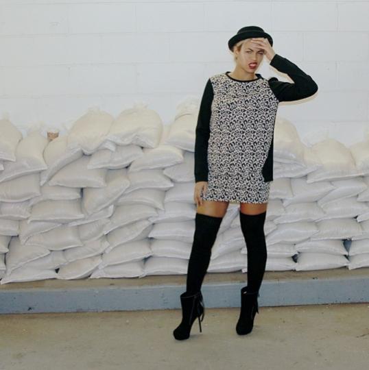 InstaStyle- Beyonce-Instagram-Tibi- Leopard-Print- Sweatshirt-Leopard-Knit- Skirt- Topshop-Pork-Pie Hat -ooh-la-la-blog-