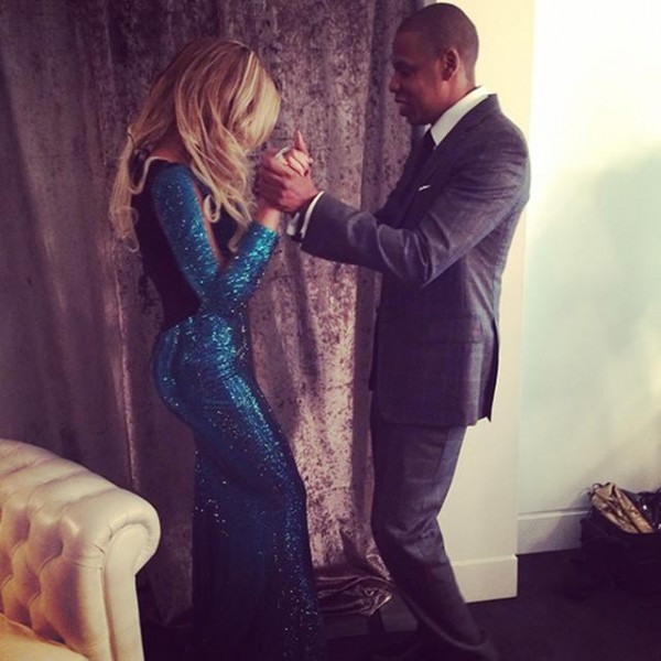 Beyonce-Sparkles-in- Vrettos-Vrettakos- Dress-at-2014-Brit- Awards-