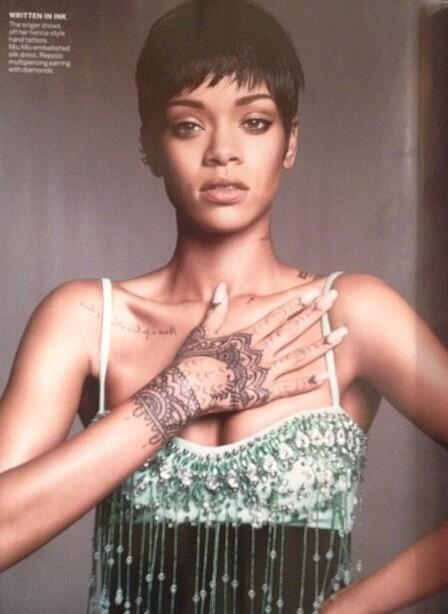 Rihanna-Poses-for- Vogue-March- 2014-4