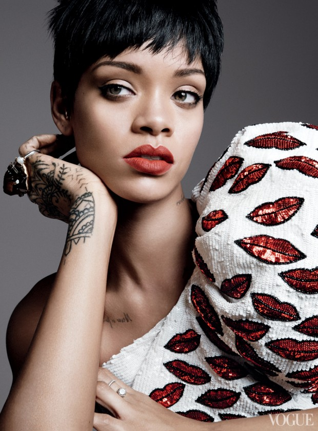 Rihanna-for-VOGUE- March-2014-3