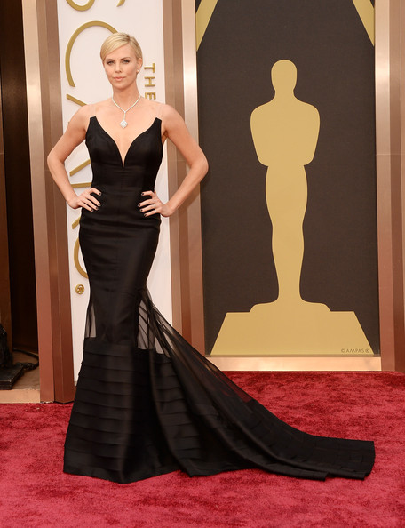 Charlize-Theron-2014-Oscar-Awards-