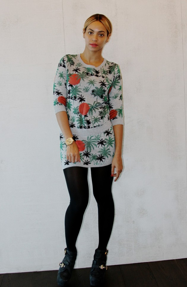 Get-Beyonce- TopShop-Palm- Tree-Lurex- Sweater-Palm- Tree-Lurex-Skirt-oohlalablog-5