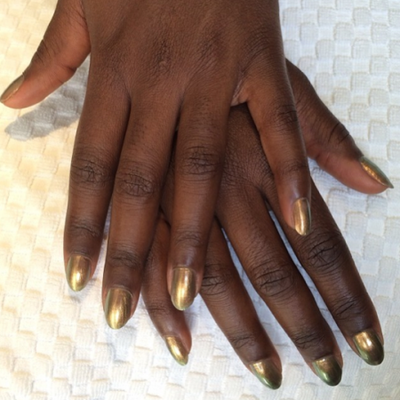 Lupita-Nyongo-manicure-Sag awards