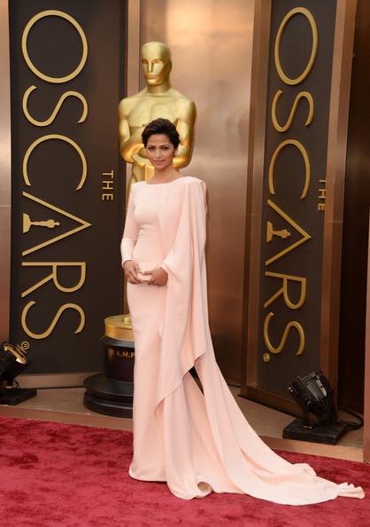 Matthew-McConaughey-Camila-alves-2014-Oscars-3