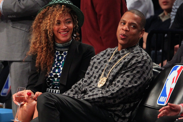 Beyonce-Courtside-Net-Rockets-game-Torn-by-Ronny-Kobo Mosaic-Jacquard-Crop- Top-Matching- Skirt-3