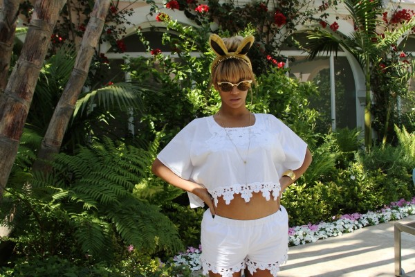 Snag-Her-Style- Beyonce-Easter- Sunday-Wildfox- Couture-Crybaby- Deluxe- Sunglasses-6