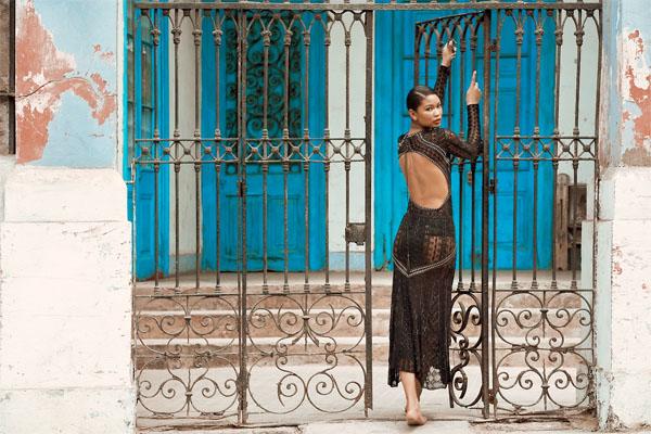 CHANEL IMAN-Harpers-bazaar-russia-june-2014-2