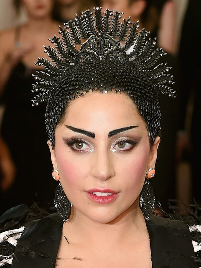 lady-gaga-Met-Gala-2015-China-Through-Looking-Glass-Headpiece-HairStyle-
