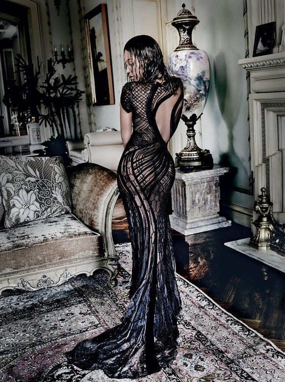 Beyonce Makes History As Vogue September 2015 Cover Girl-2