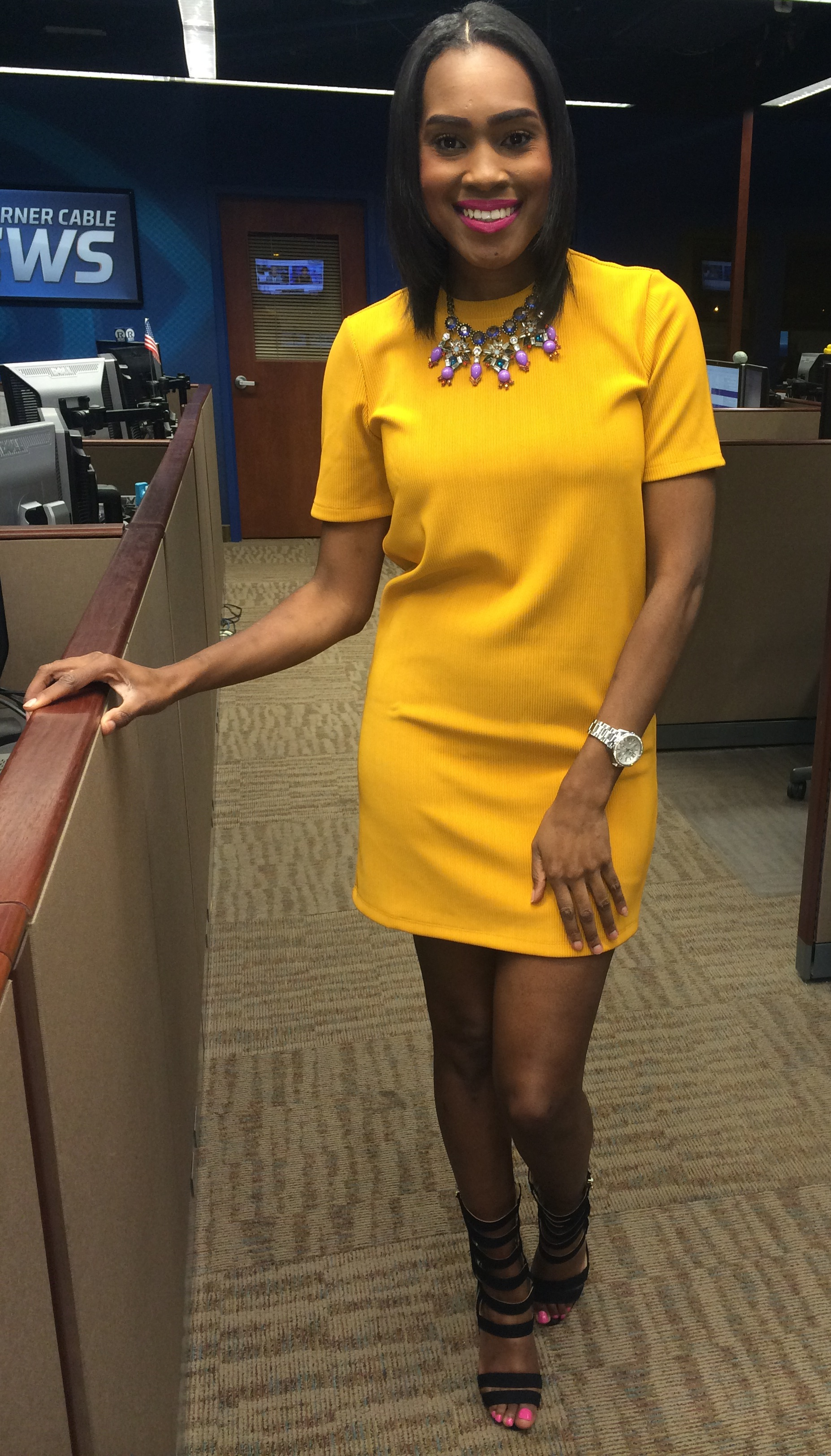 Style-files-forever-21-mustard-textured-stripe-shift-dress-justfab-florernce-heels-oohlalablog-workwear-5
