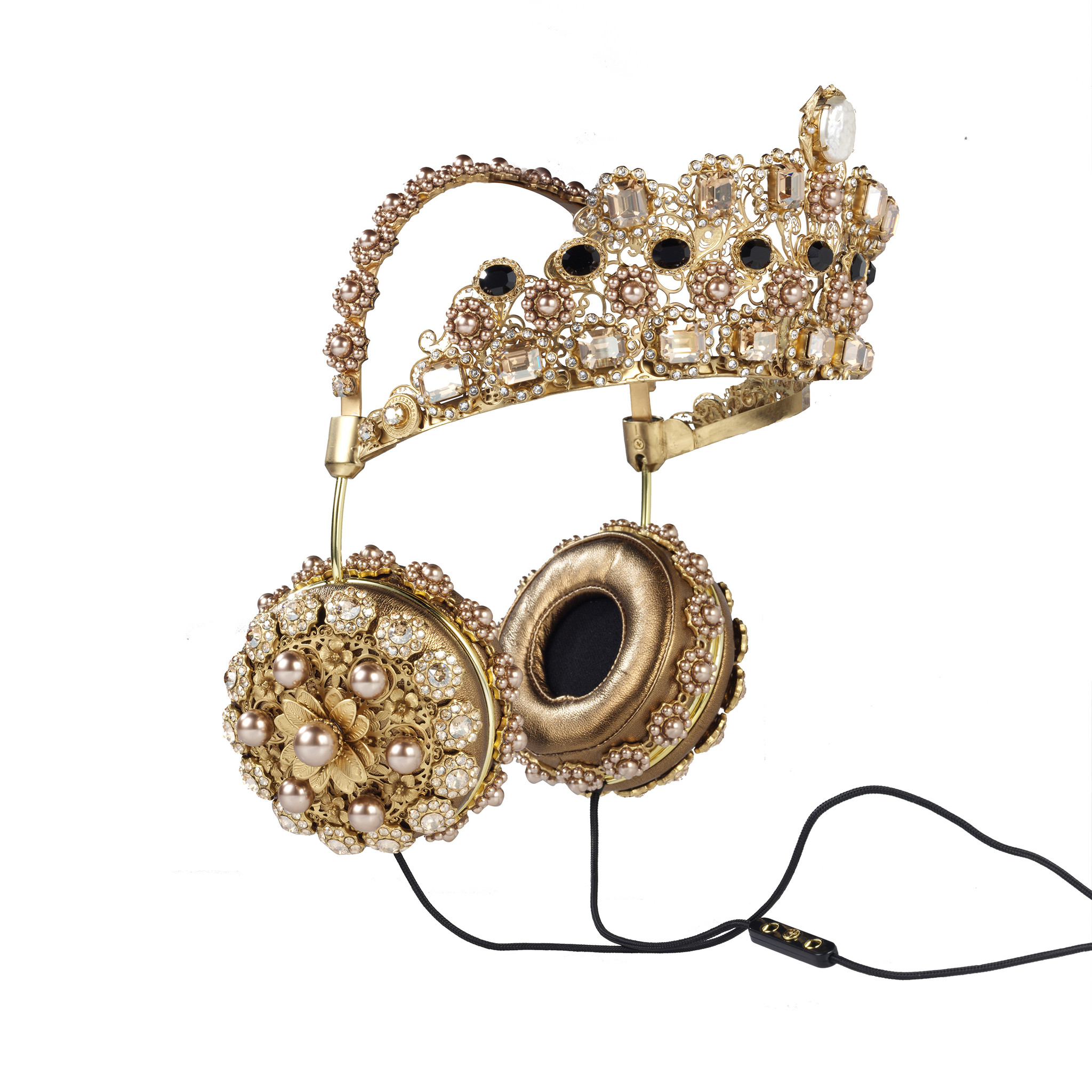 Rihanna-Instagam-FRENDS-Dolce-Gabbana-Embellished-Leather Headphones-with Gold-Crown-