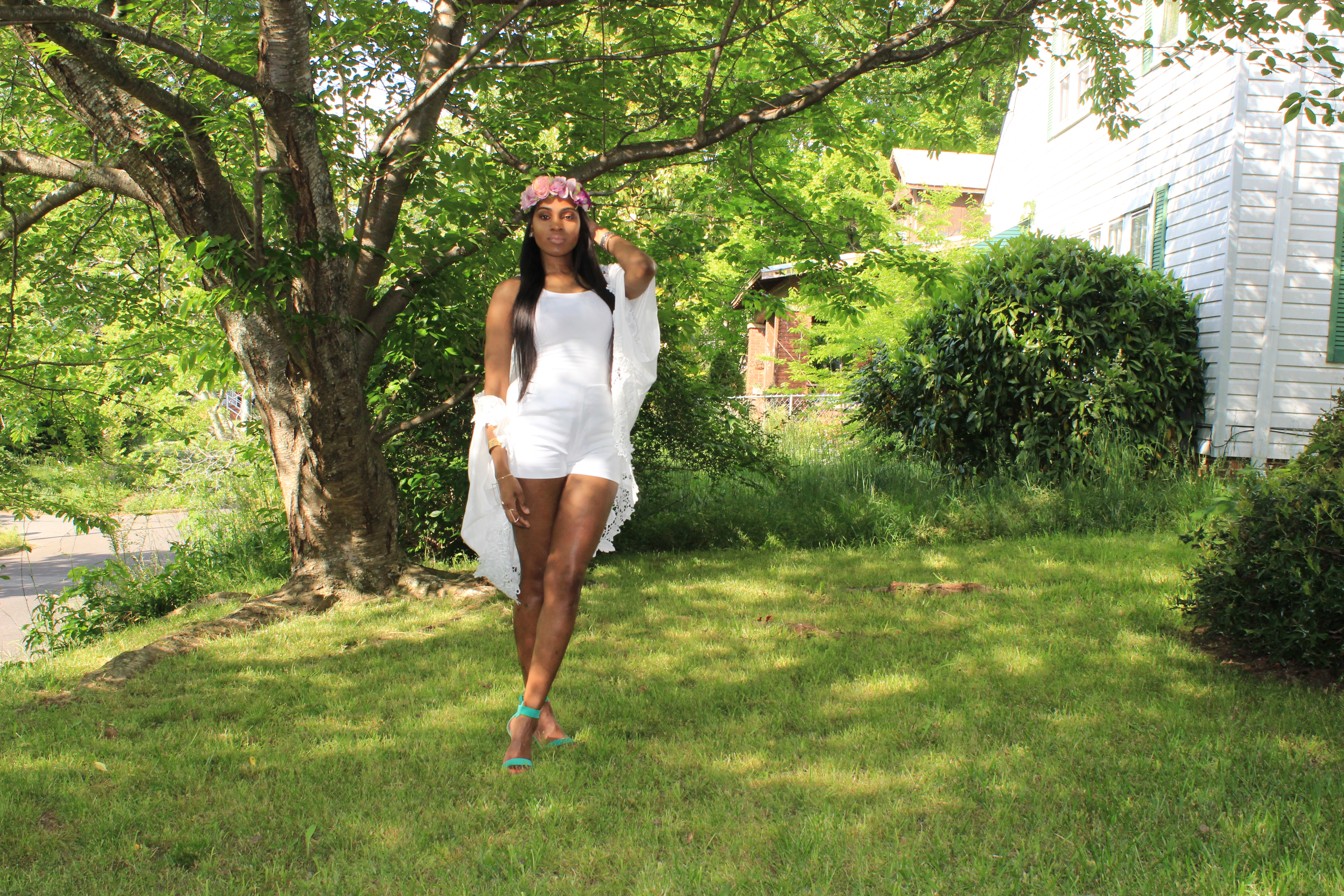 Style-Files-Target-Merona-White-Cocoon-forever21-White-high-waist-shorts-justfab-Paean-seafoam-sandals-flower-headband-Oohlalablog-12