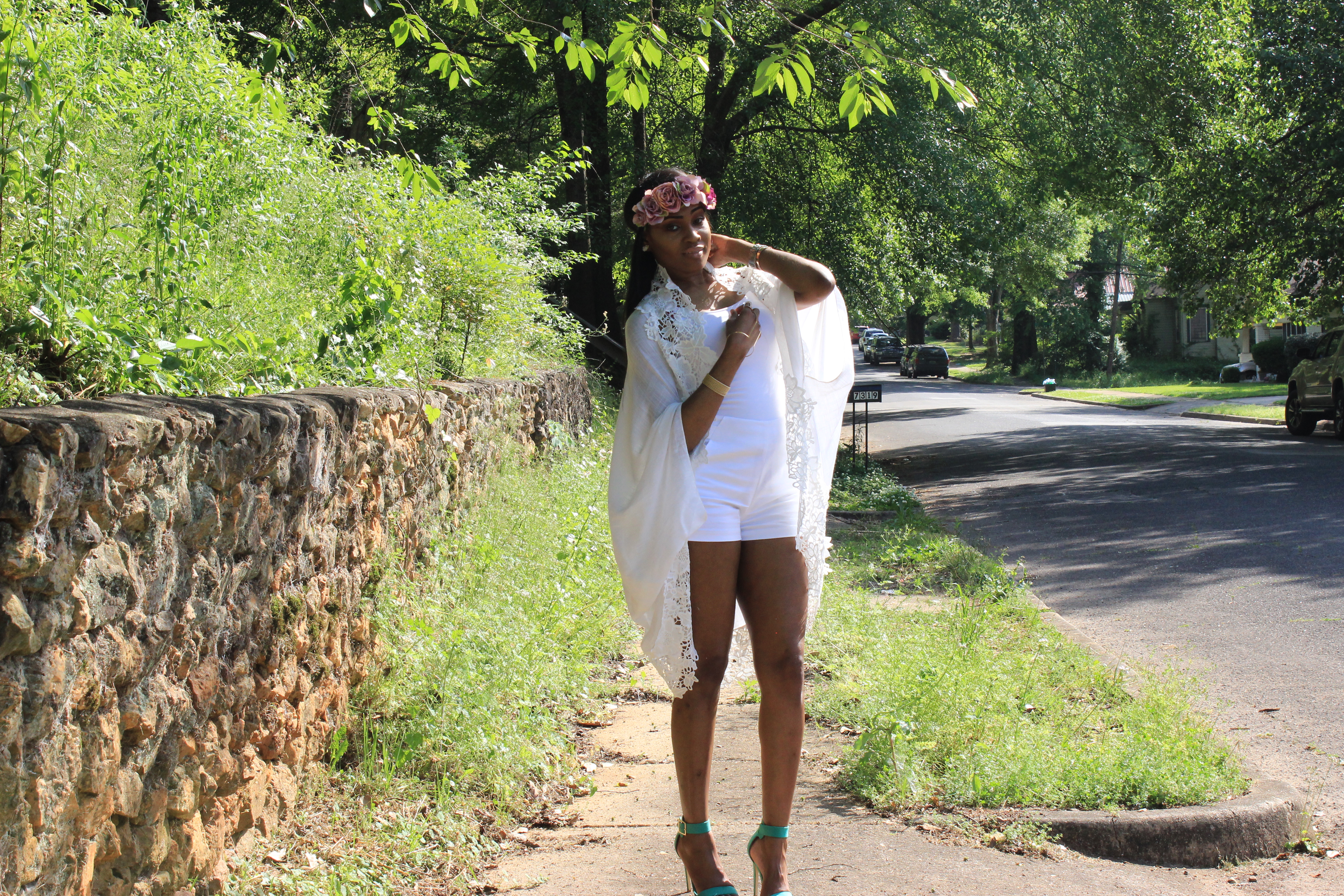 Style-Files-Target-Merona-White-Cocoon-forever21-White-high-waist-shorts-justfab-Paean-seafoam-sandals-flower-headband-Oohlalablog-22