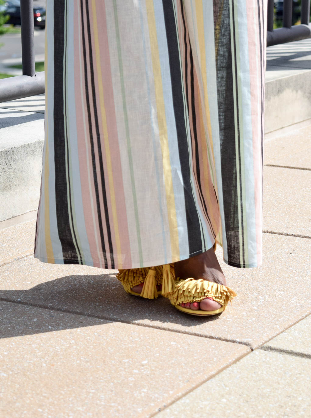 Style-files-target-Women Palazzo-Pant- Striped-  Xhilaration-Xhilaration-striped-wideleg-linen-pants-forever21-crop-racerback-tank-yellow-tayrey-fringe-heels-justfab-yellow-fringe-heels-how-oohlalablog-7