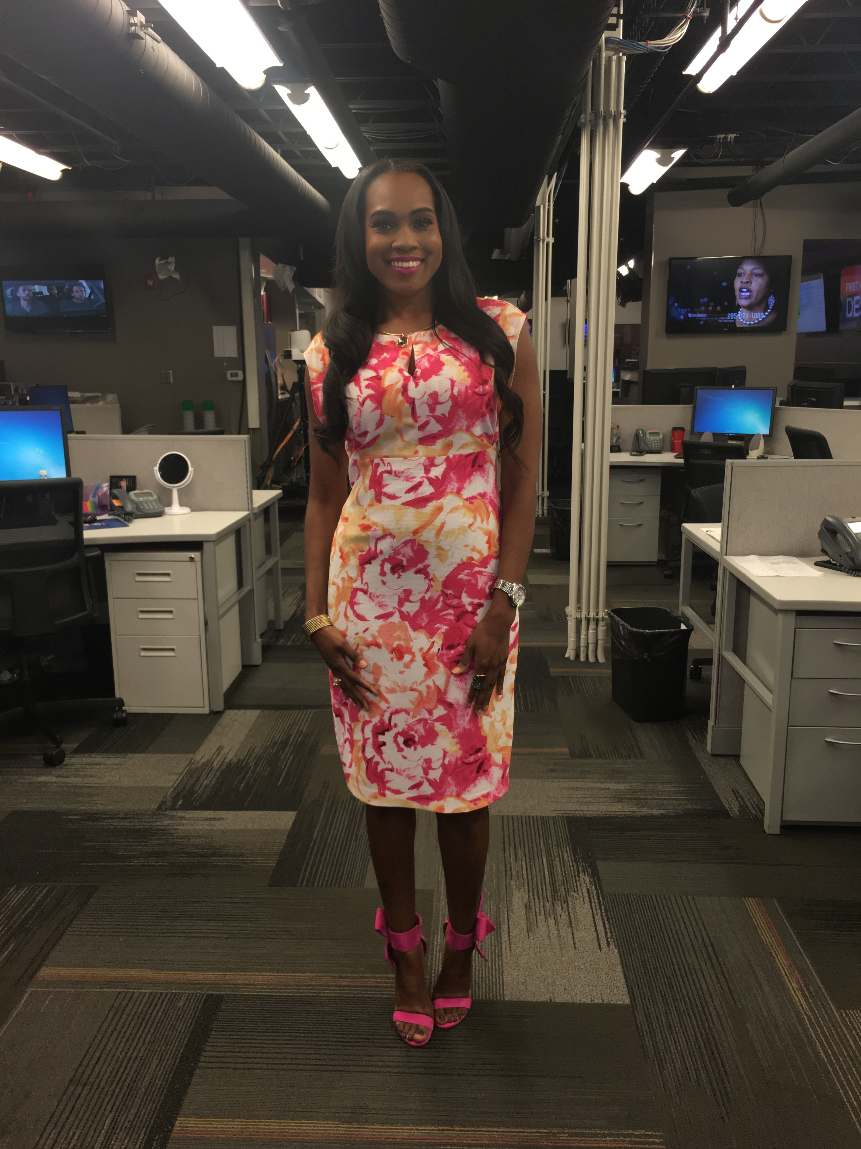Style-Files-What-to-wear-to-work-Covington Womens-Sleeveless-Pink-floral-Dress-Betsey-Johnson-bow-sandals-in-Pink-oohlalablog-4