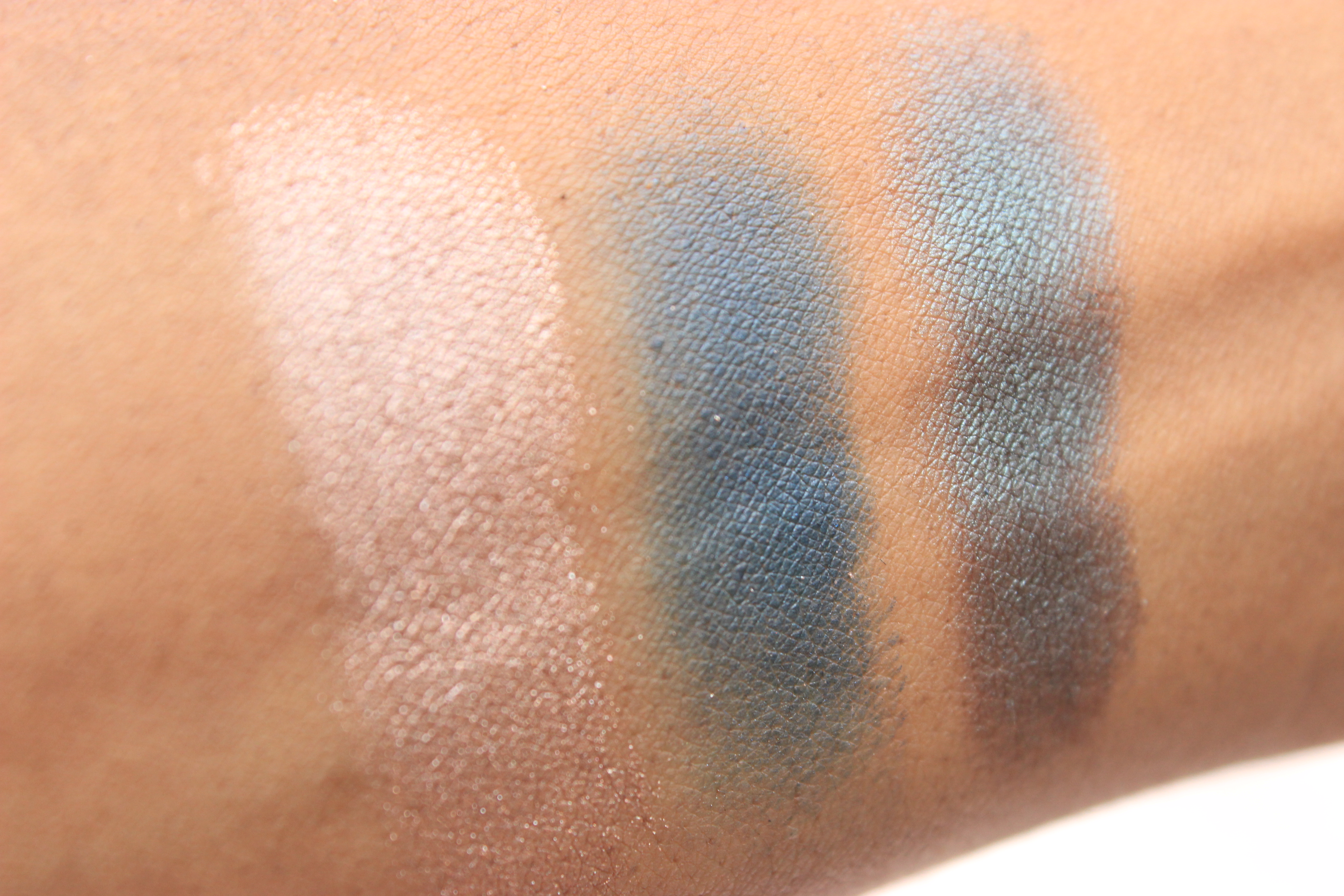 WetnWild-plaid-to-the-bone-eyeshadow-palette-makeup-review-wetnwild-fall-2016-collection-oohlalablog-