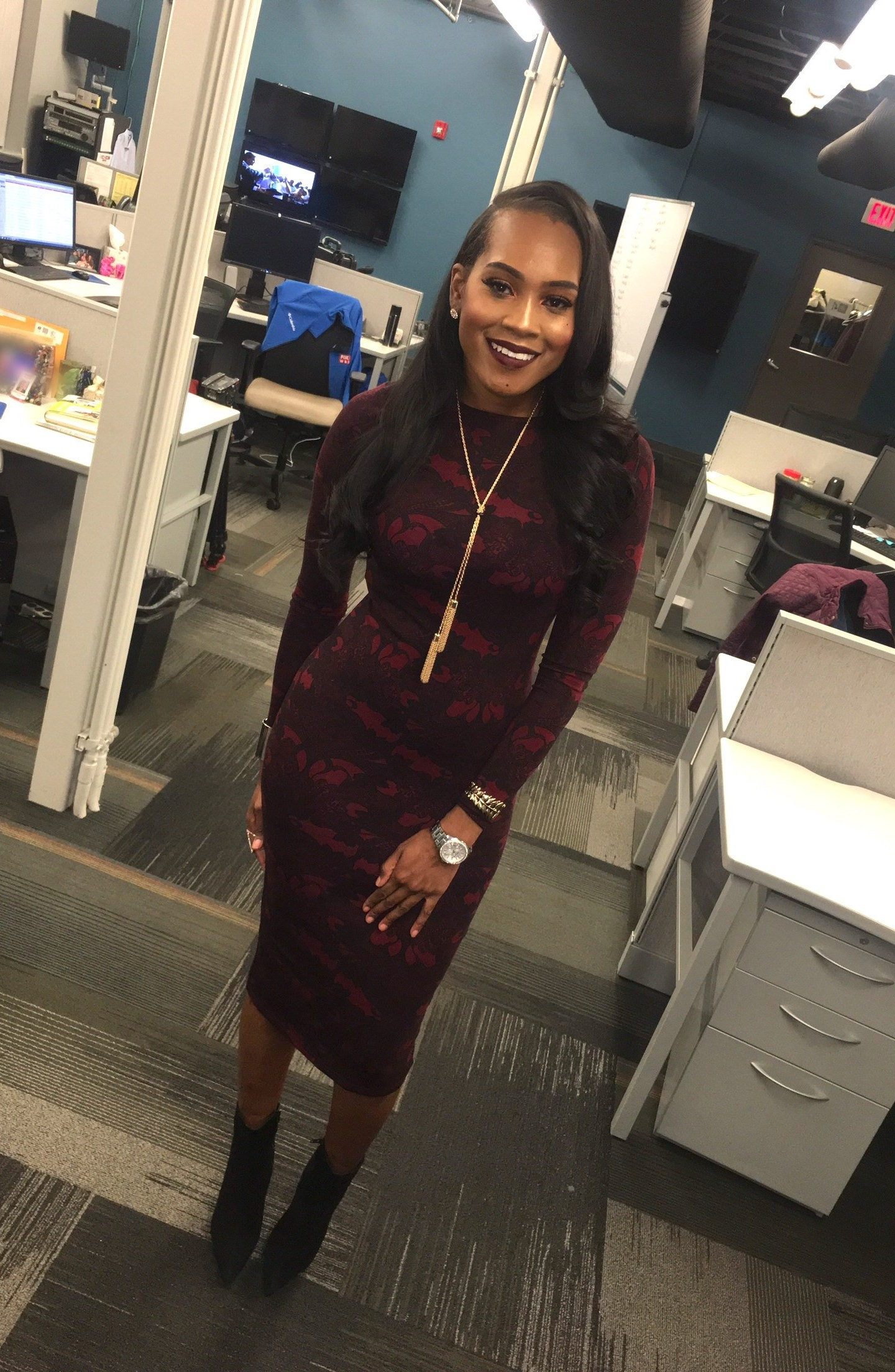 Style-files- forever21-burgundy-lace-print-midi-dress-black-Jeffrey-Campbell-booties-wet-n-wild-liquid-lipstick-dont-be-a-plum-plum-wear-a-burgundy-dress-to-work-oohlalablog-7