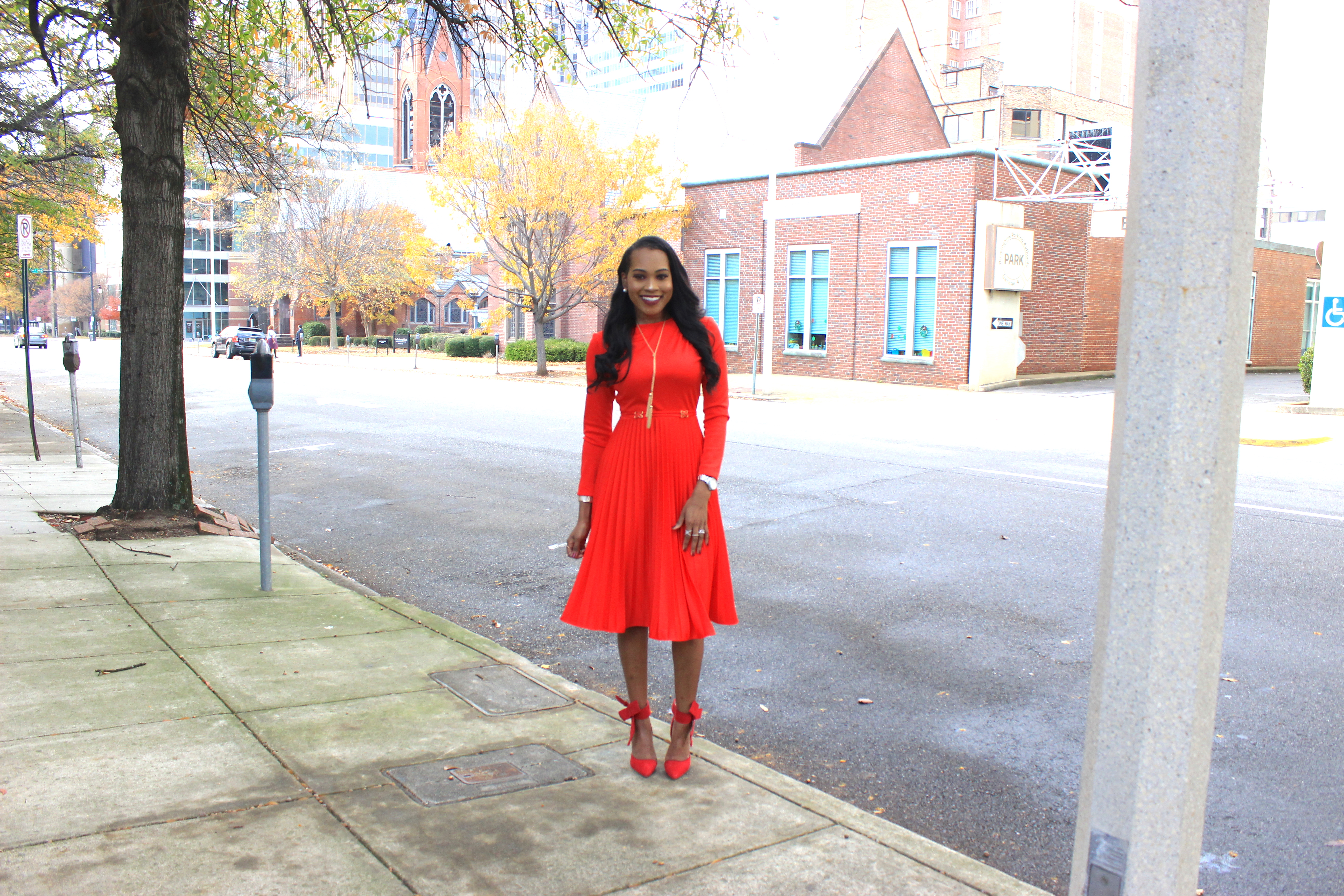 style-files-vintage-carol-craig-red-pleated-dress-just-fab-hadley-red-bow-pumps-INC-faux-fur-stole-oohlalablog-6
