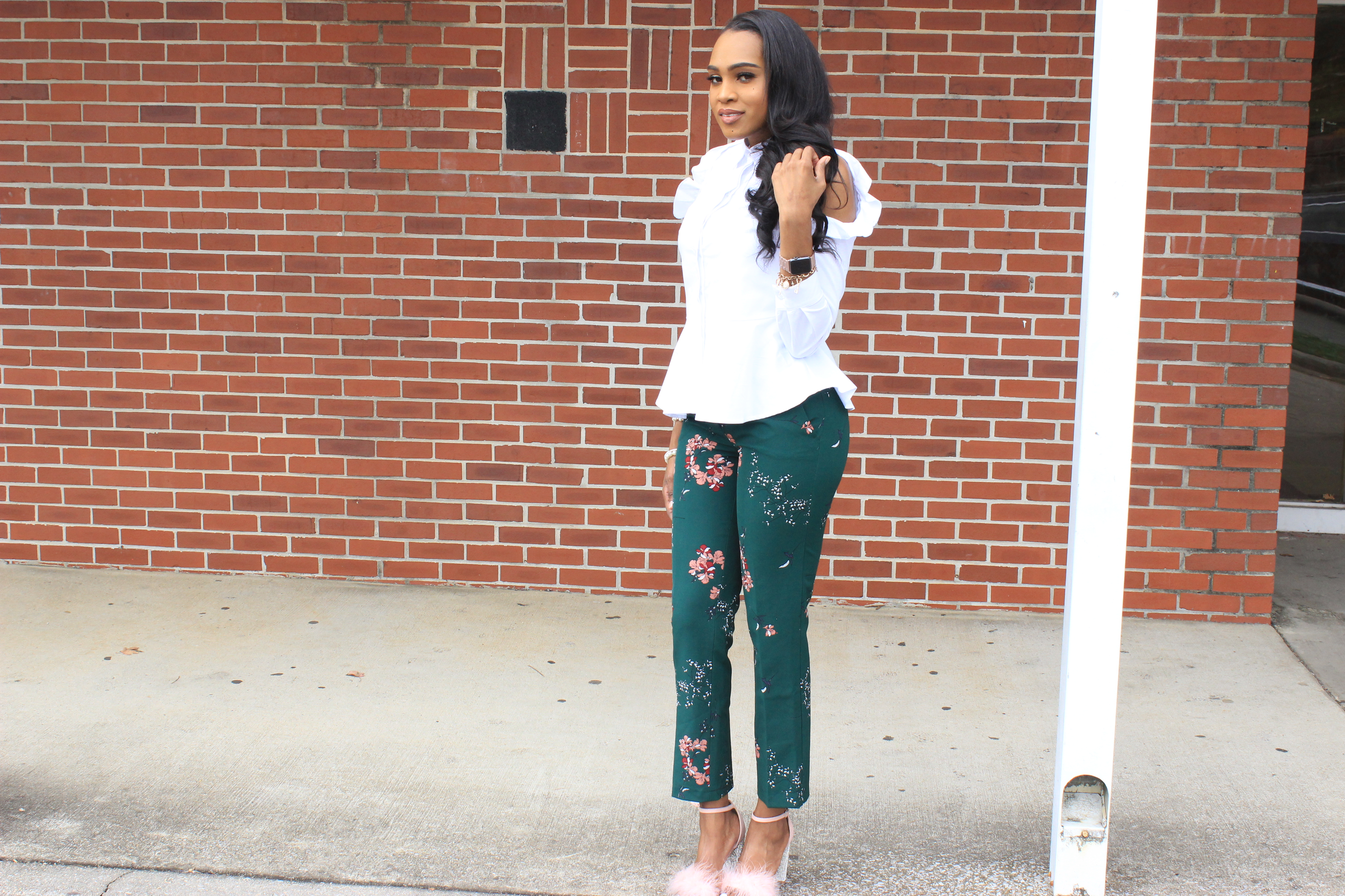 Style-files-Green-floral-printed-ankle-length-carolina-belle-montreal-pants-white-cold-shoulder-ruffle-peplum-blouse-pink-faux-fur-glitter-block-heel-missguided-ankle-strap-sandals-oohlalablog-18