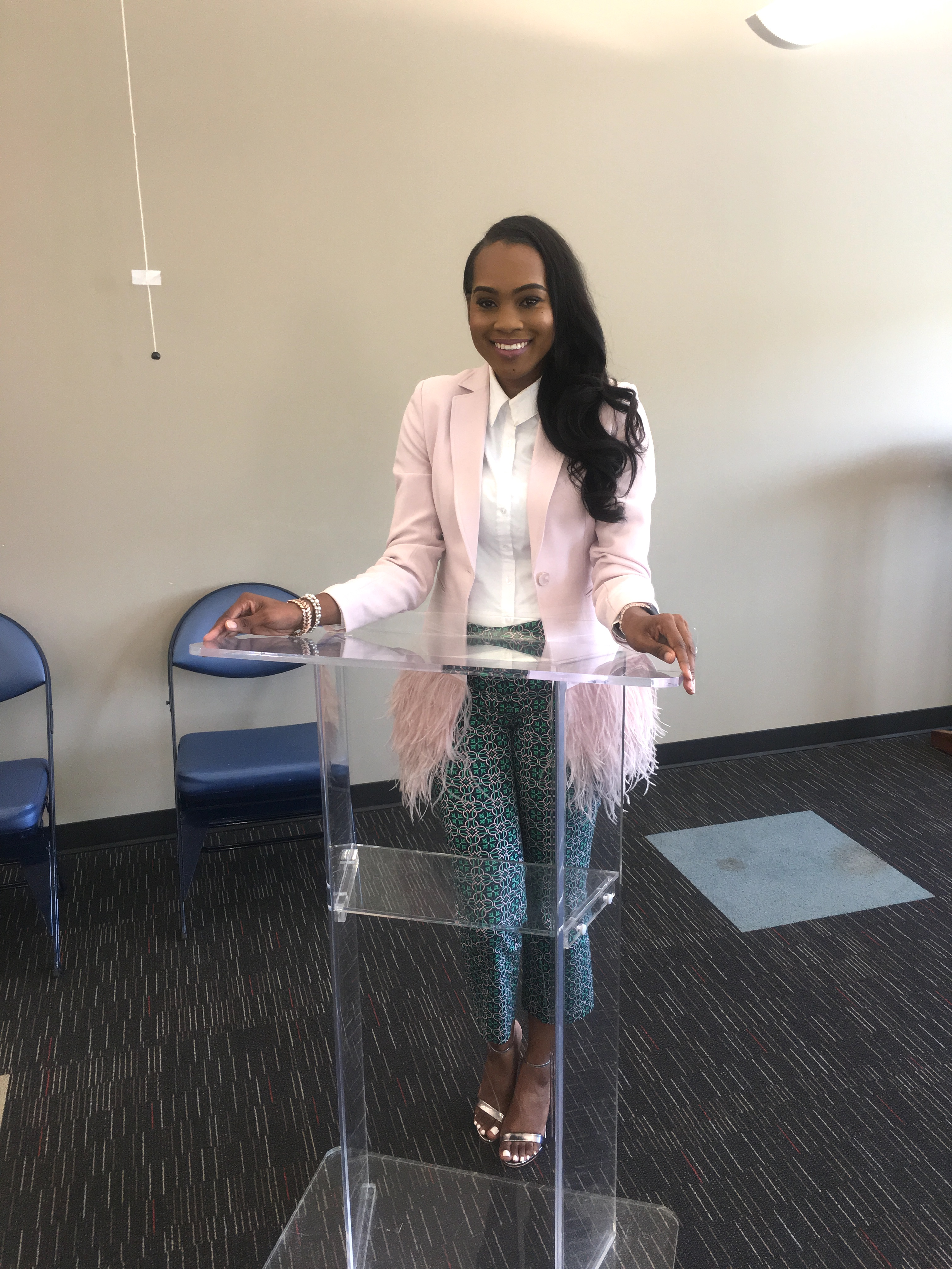 Style-Files-Thrifted-Printed-Jcrew-ankle-pants- white-thrifted-blouse-Pink-Gianni-Bini-Lizzy-Notch-Lapel-Collar-Feather-Trim-Solid-Crepe-Blazer-feather-hem-blazer-Birmingham-Association-of-black-journalist-college-panel-event-oohlalablog-8