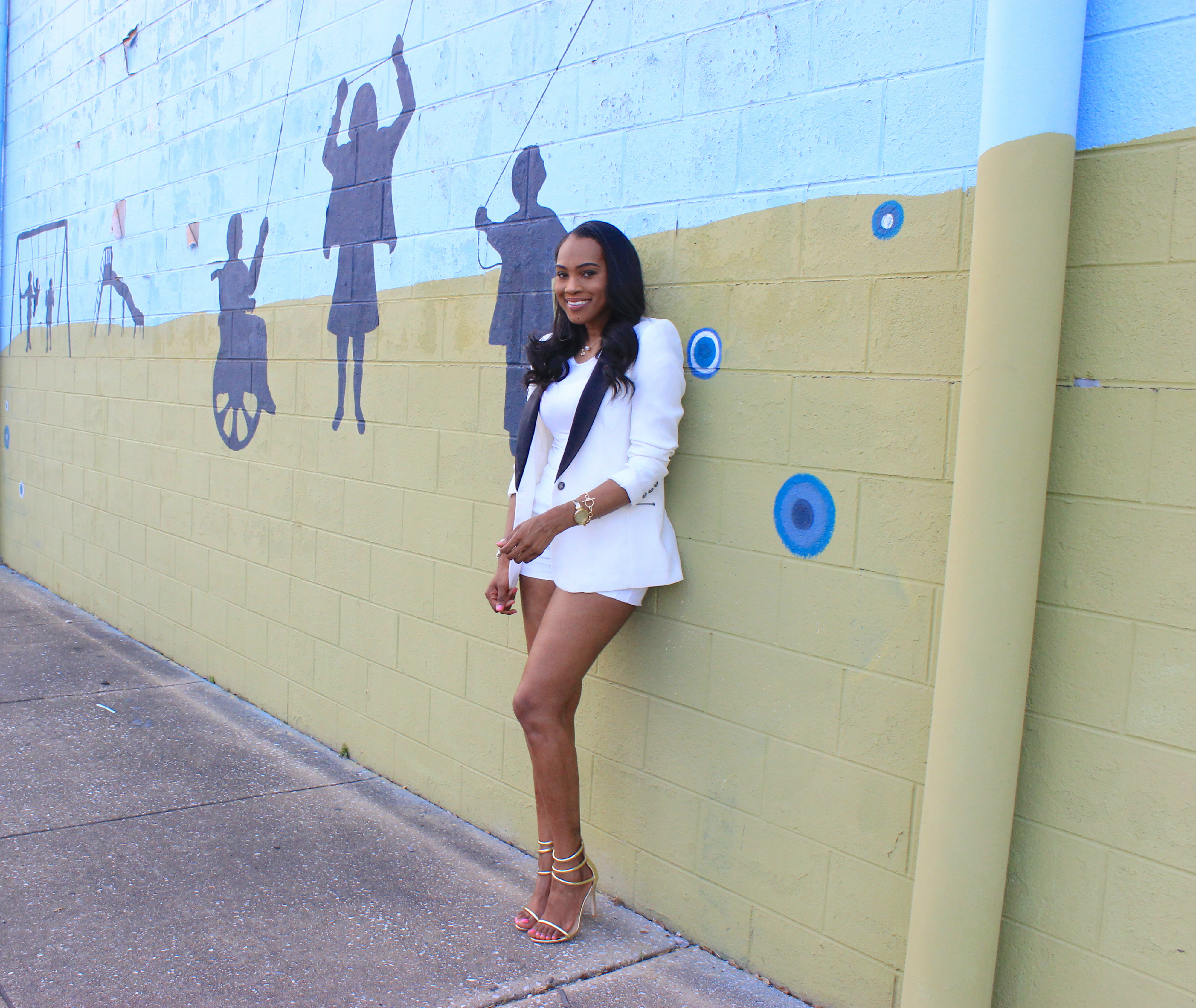 Style-files-forever21-white-zip-back-shorts-forever21-white-blazer with black-lapels-tuxedo-style-blazer-public-desire-Aisha-gold-strappy-heel-sandals-birmingham-top-blogger-oohlalablog-6