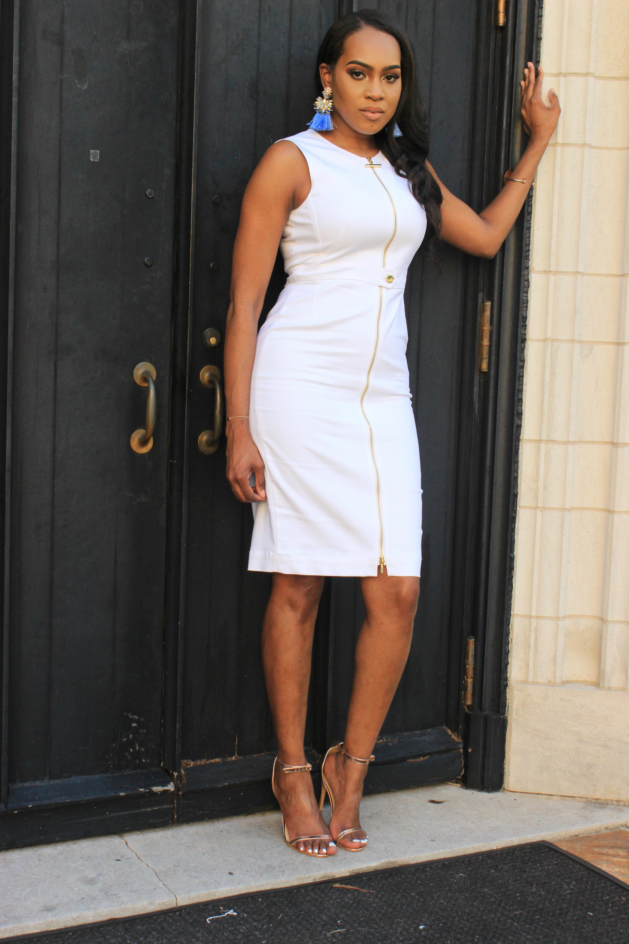 Style-Files-White-Sheath-Calvin-Klein-Dress-with-front-exposed-gold-zipper-sky-blue-fringe-earrings-truffle-collection-barely-there-heel-sandal-rose-gold-how-to-wear-white-to-work-birmingham-top-blogger-oohlalablog-10